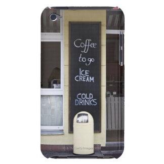 una cafetería con un café a ir muestra iPod touch protector
