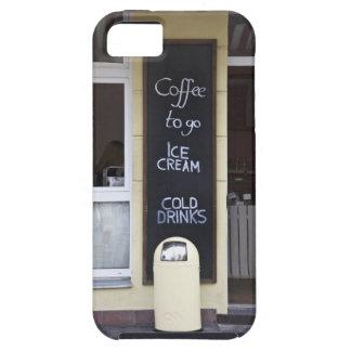 una cafetería con un café a ir muestra funda para iPhone SE/5/5s