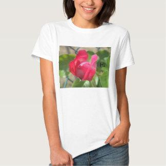 Una camiseta del brote poleras