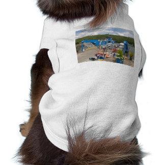 Una camiseta para sus amigos del perrito camisetas mascota