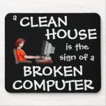 Una casa limpia es la muestra de un ordenador queb alfombrilla de ratones