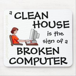 Una casa limpia es la muestra de un ordenador queb alfombrilla de ratón