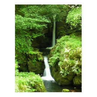 Una cascada hermosa en el río de Lyn, Devon Tarjeta Postal