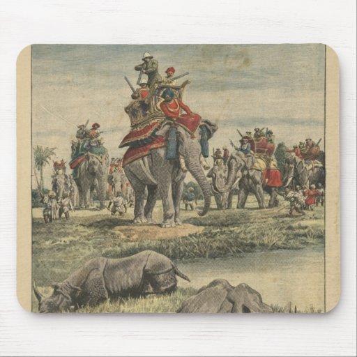 Una caza del rinoceronte en honor de rey George V Alfombrilla De Raton