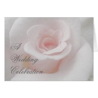 Una celebración color de rosa rosada del boda invi