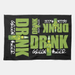 Una cerveza verde más irlandesa de la bebida toalla de cocina