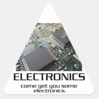 Una cierta electrónica pegatina triangular