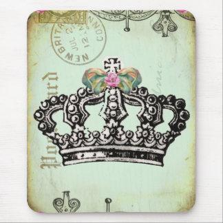 una corona real cabida para una reina alfombrilla de ratón