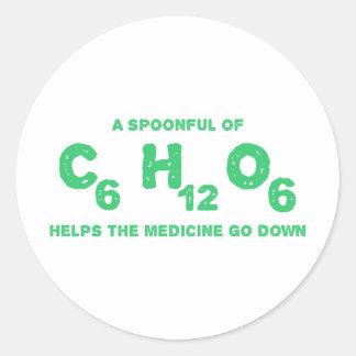 Una cucharada de C6H12O6 ayuda a la medicina para Pegatina Redonda
