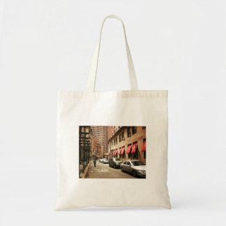 Una escena de la calle en el distrito financiero bolsa tela barata