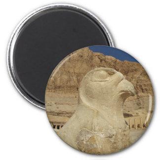 Una estatua de Horus como halcón en el templo de H Imán Redondo 5 Cm