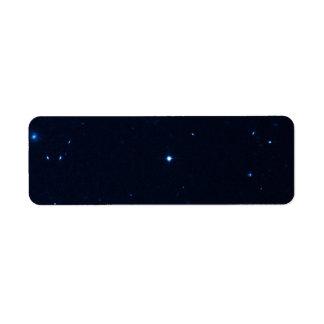 Una estrella que apresura se coge en la cámara de  etiqueta de remite