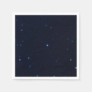 Una estrella que apresura se coge en la cámara de  servilleta de papel