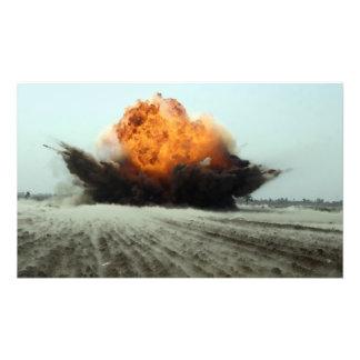 Una explosión entra en erupción fotografías
