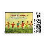 Una familia humana sellos postales