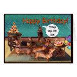 ¡Una fiesta de cumpleaños imprevista del Dachshund Felicitacion