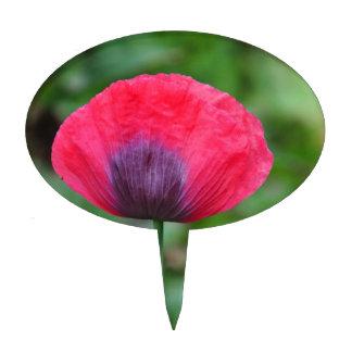 Una flor perfecta de la amapola figura de tarta