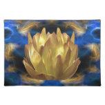 Una flor y reflexiones de loto del oro manteles