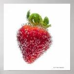 Una fruta orgánica madura jugosa de la fresa sumer impresiones