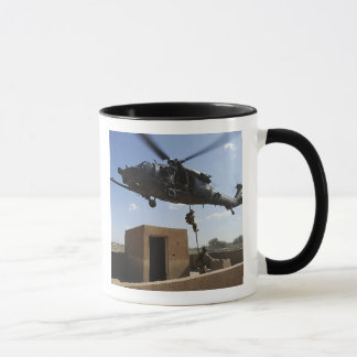 Una fuerza aérea de los E.E.U.U. Pararescuemen