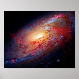 Una galaxia espiral más sucia M106 Posters