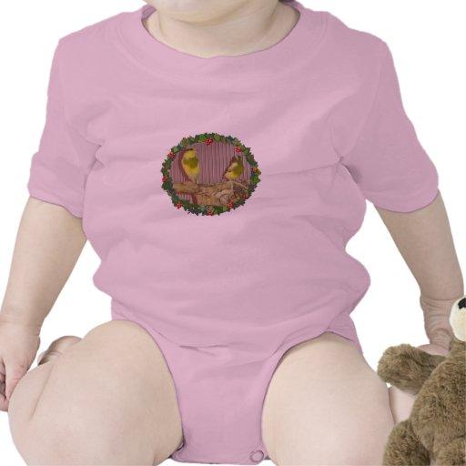 Una guirnalda amarilla del navidad trajes de bebé