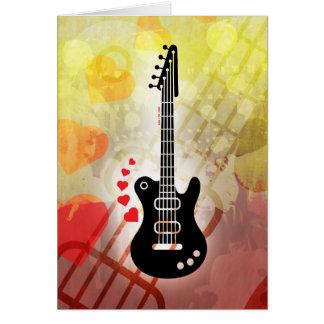 Una guitarra para una serenata del amor tarjeta de felicitación
