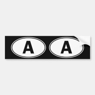 Una identificación oval pegatina para auto