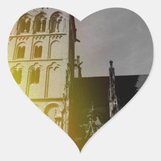 Una iglesia calcomanía corazón personalizadas