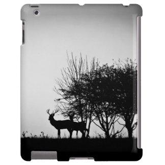 Una imagen de algunos ciervos en la niebla de la m funda para iPad