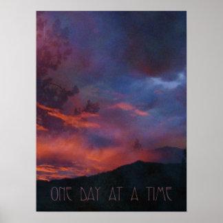 Una impresión reservada de la salida del sol del d póster