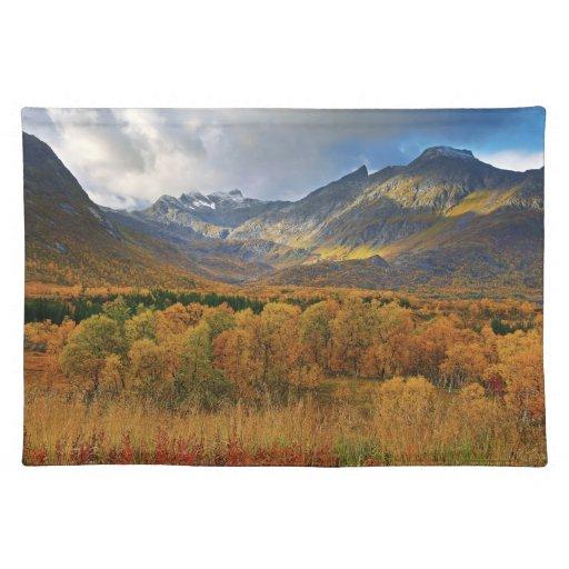 Una isla de la opinión del otoño de Hinnoya Troms Mantel Individual
