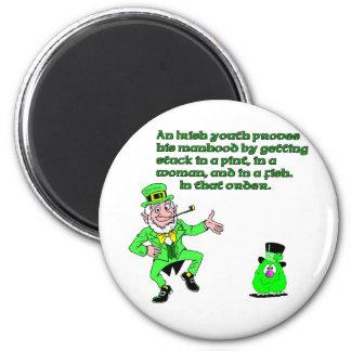 Una juventud irlandesa imán redondo 5 cm