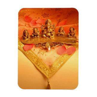 Una lámpara india con el ídolo de Ganesha Imanes Flexibles