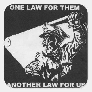 una ley para ellos pegatina cuadrada