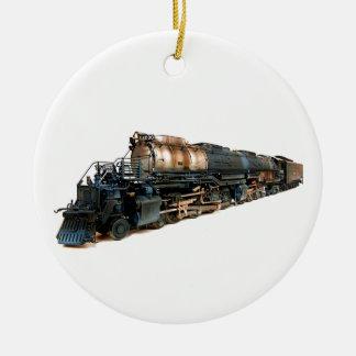 Una locomotora de vapor grande del muchacho adorno navideño redondo de cerámica