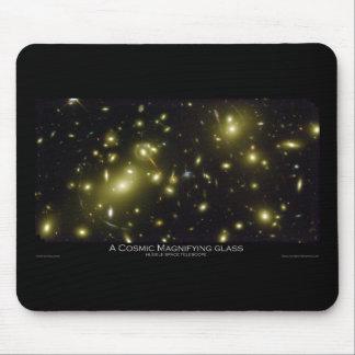 Una lupa cósmica - telescopio espacial de Hubble Tapete De Ratones