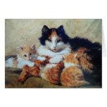 Una madre orgullosa - un gato con sus gatitos amar tarjetón