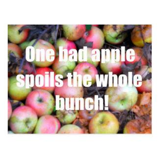 Una mala manzana… postales