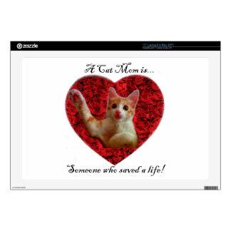 Una mamá del gato es alguien que ahorró una vida calcomanías para 43,2cm portátiles