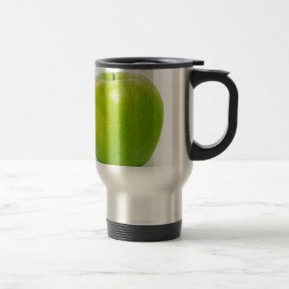 una manzana al día guarda al doctor en la bahía taza de café