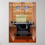 Una máquina de escribir flotante en una cabina par impresiones