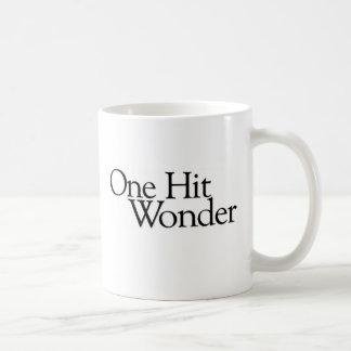 Una maravilla golpeada taza