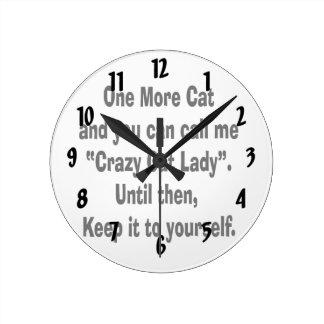 una más señora loca del gato del gato hasta entonc reloj redondo mediano
