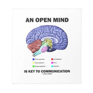 Una mente abierta es dominante a la comunicación bloc de notas