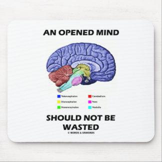 Una mente abierta no debe ser perdida (el cerebro) tapete de ratón