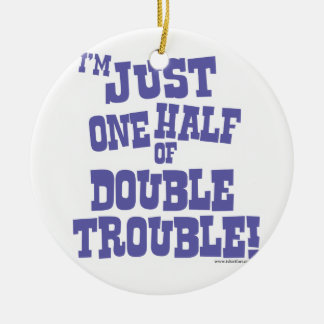 Una mitad de problema doble adorno redondo de cerámica