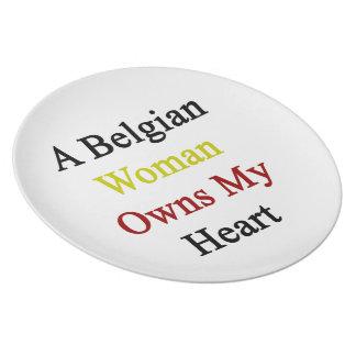 Una mujer belga posee mi corazón platos para fiestas