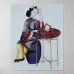 Una mujer china que arregla su pelo posters