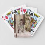Una mujer en un interior elegante de James Tissot Barajas De Cartas